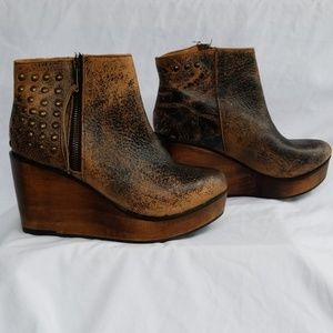 Bed Stu Cobbler Series Wedge Booties Size 7